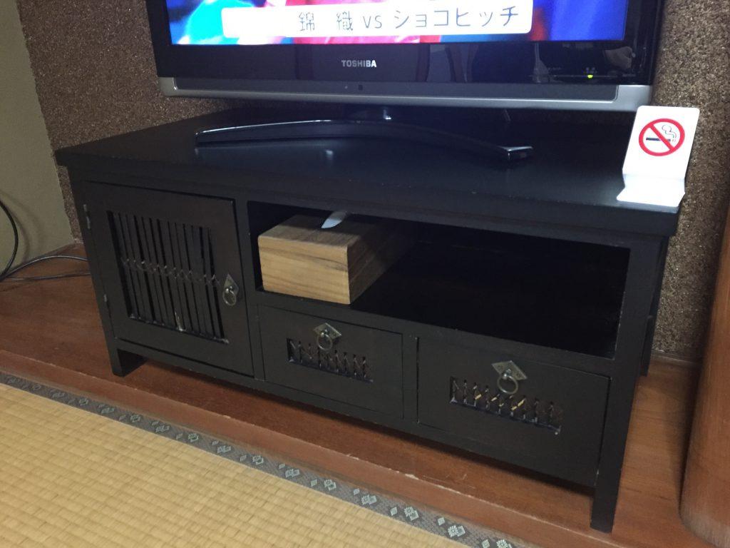 旅館伊藤 テレビ台
