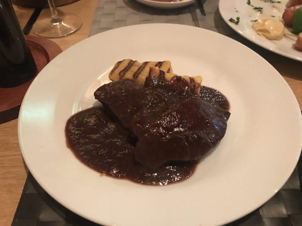 ジョルノフェリーチェ 牛ホホ肉の煮込み