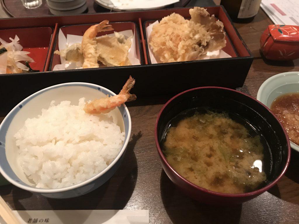 エビの天ぷらランチ